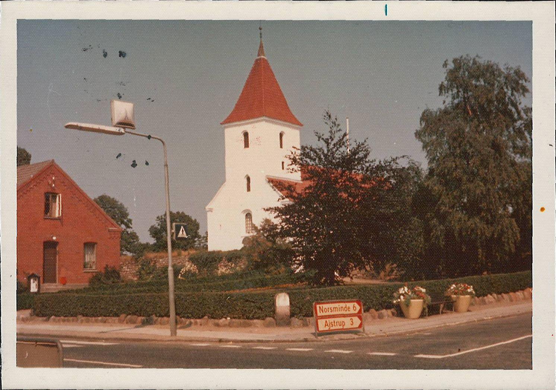 Kirken set fra Bredgade 1975