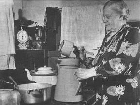 Marie Jensen i køkkenet på Malling Kro