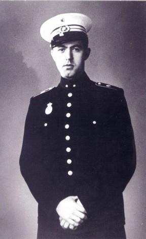 Landbetjent i Malling Frederik Martin Grønnebæk 1945. Grønnebæk blev arBekendtgørelse fra politimester Hoeck til borgerne resteret og sendt i koncentrationslejr