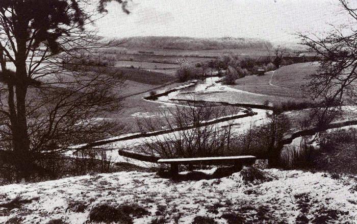Udsigt over engdraget ved Fulden ca. 1925. Giber Å slynger sig smukt i landskabet. I baggrunden ses Fulden Mølle.