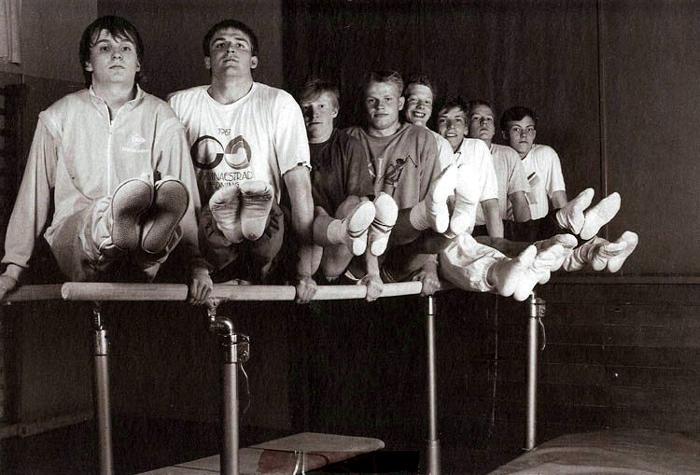 Et billede fra gymnastikopvisningen i Egelundshallen i marts 1988. Fra V. er det Knud Sørensen, Henrik Løvig Nielsen, Brian Rasmussen, Niels Boritz Sørensen, Erik Fournais, Claus Brønnerup, Torben Fabrin og Lars Brønnerup.