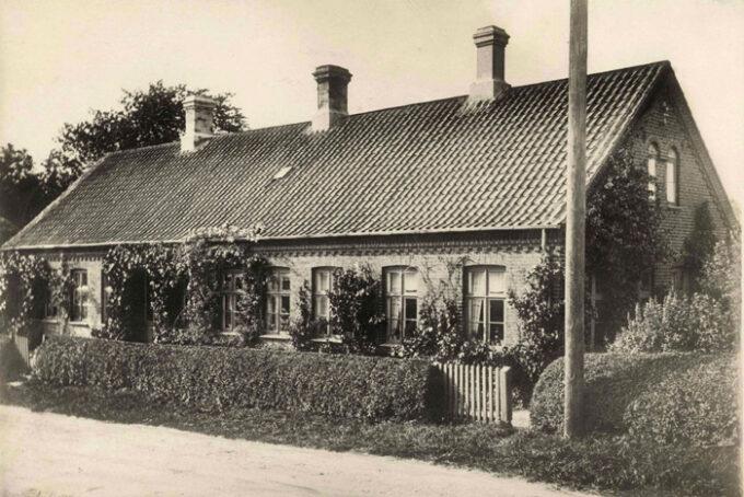 Cirka 1930. Kristiansgårdsvej 3-5. Fotograf ukendt