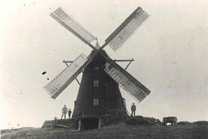 Neder Fløjstrup mølle cirka 1920. Fotograf ukendt
