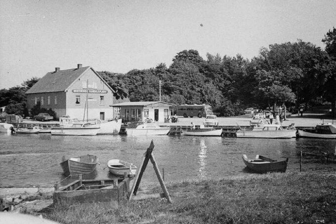 Norsminde havn cirka 1968. Fotograf ukendt
